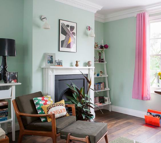 MINT GREEN IN THE LIVING ROOM DECORATION