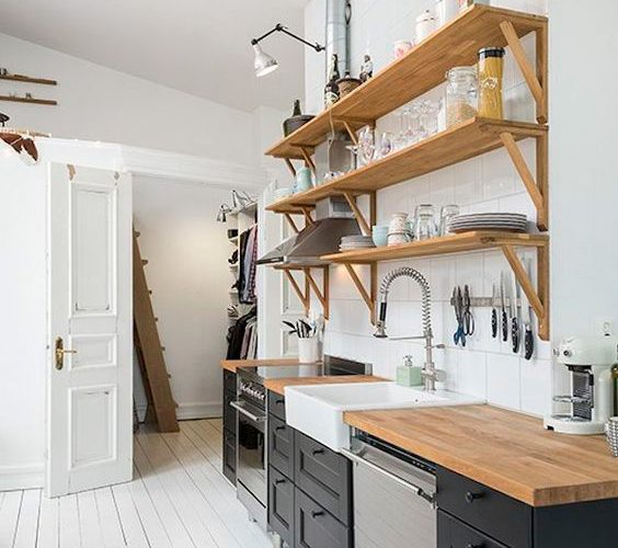 RETURN TO THE PAST IN THE KITCHEN: OPEN SHELF TREND