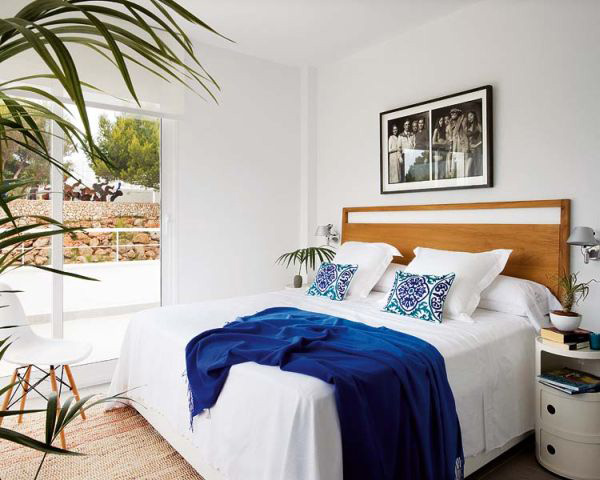 COASTAL AND SUMMER THEMED BEDROOMS