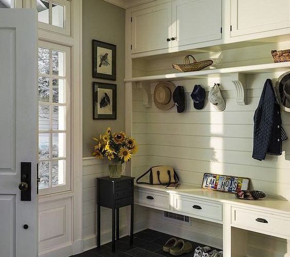 DECORATION IDEAS FOR COAT STAND