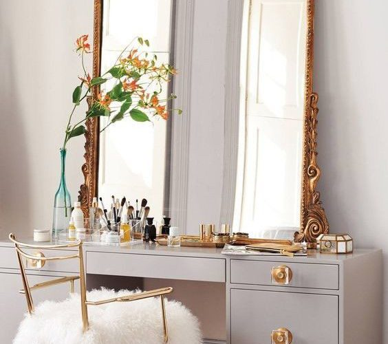 MAKEUP TABLE RECOMMENDATIONS FOR BEDROOMS